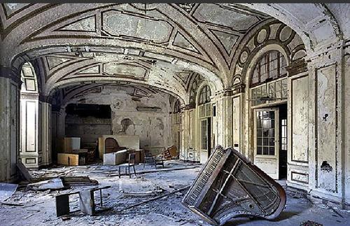 TIME: Detroit's Beautiful, Horrible Decline